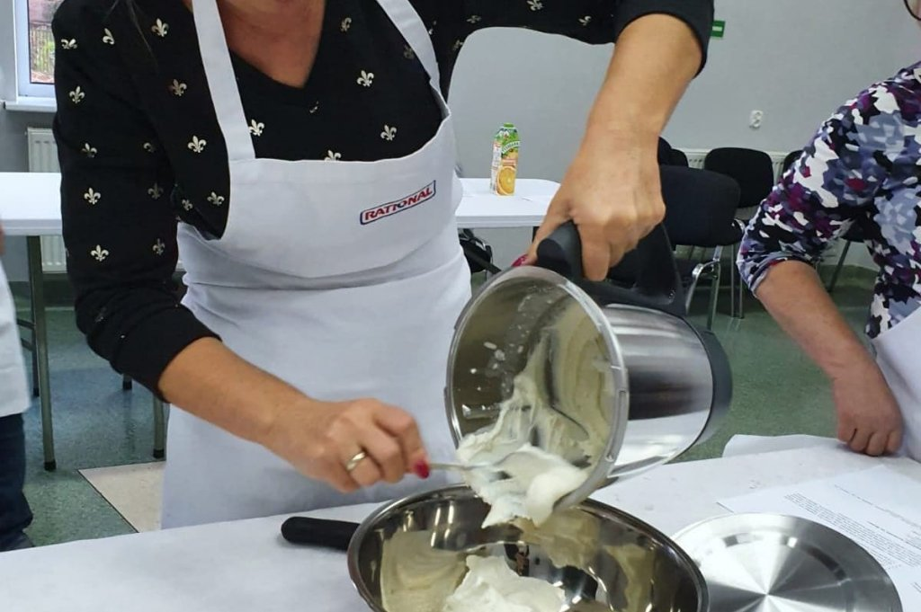 Grupa zainteresowań o tematyce kulinarnej w obiekcie ŻOKiS-u